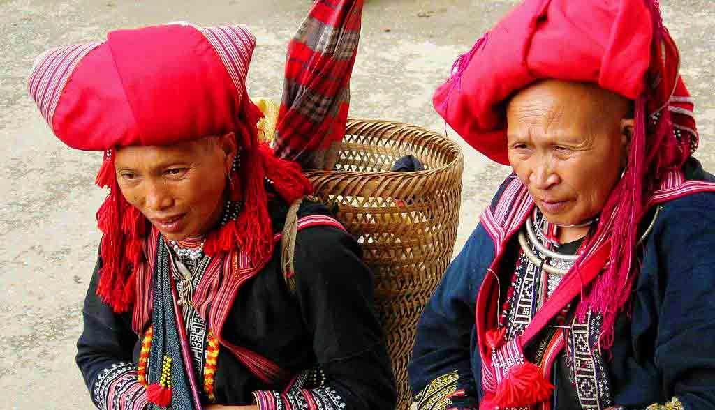 Vietnam Reisen - Die Red Dao haben eine typische Kopfbedeckung (Originalbild Mirango Travel)