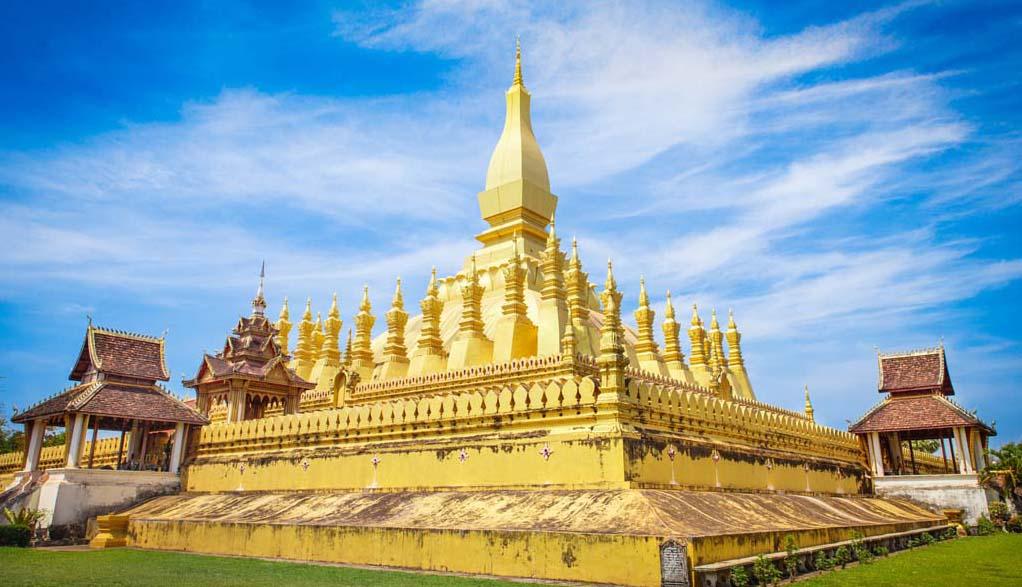Laos Reisen - Vientiane Wat Pha That Lunang