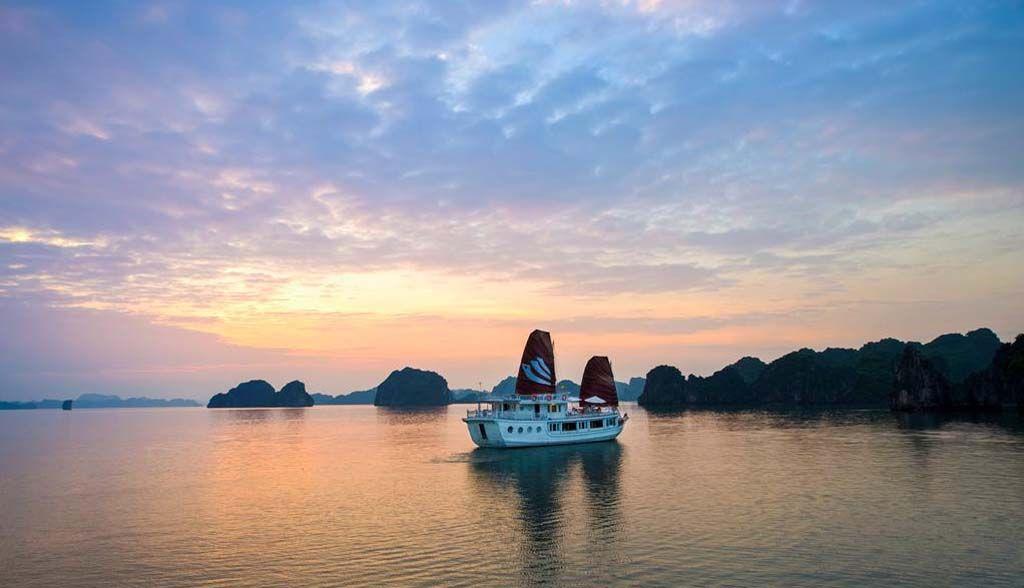 Vietnam Reisen - Halong Bay - Bhaya Legend Cruise